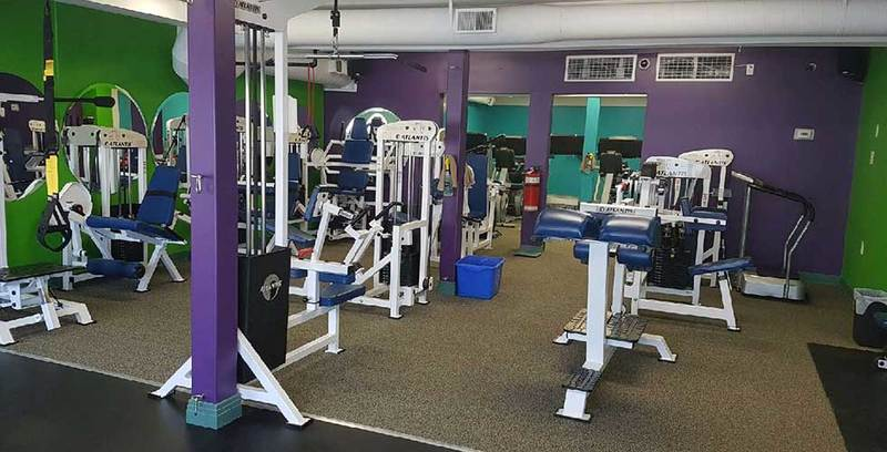 Weight Machines at Planet Woman Merritt